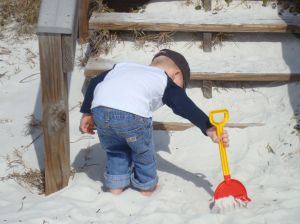 1168912_boy_playing_in_sand