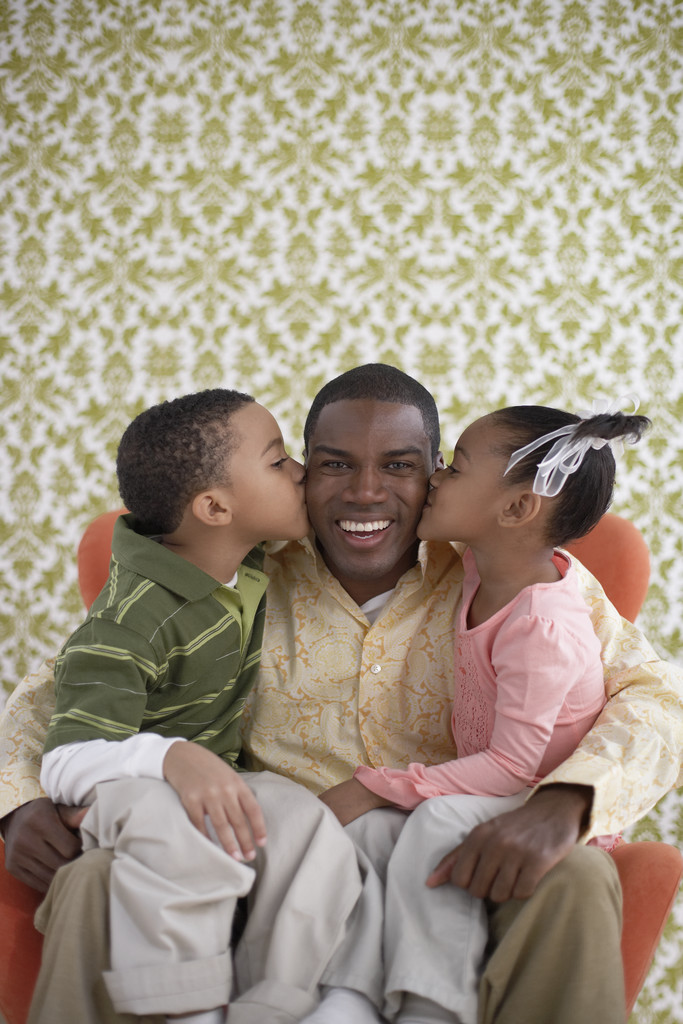 effects of being a single father Despite the extra work and unique stresses of being a single parent pros and cons in single-parent about the negative effects on children of single-parent.