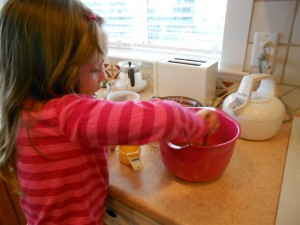 cooking applesauce with kids