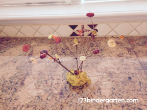 button bead fall twig tree