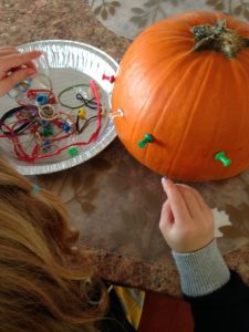 geo pumpkin craft fun