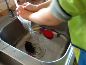 water-sensory-play-halloween