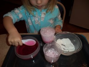 baking soda vinegar messy sensory play